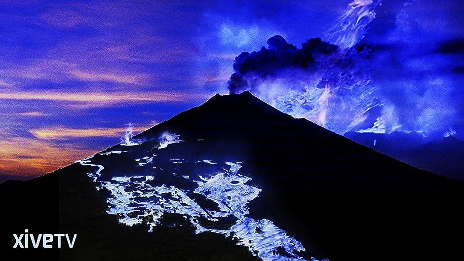 Amazon.com: The Blue Volcano: Kawah Ijen: Olivier Grunewald, Régis ...