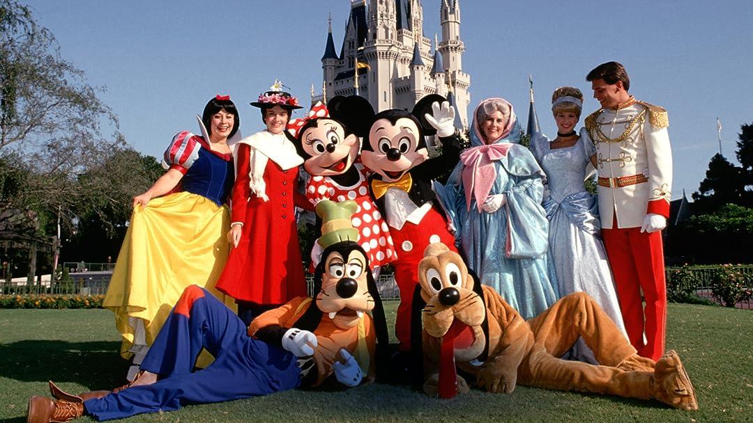 Amazon Com Disneyland Resort Behind The Scenes Mickey Mouse Walt Disney Lightship Entertainment
